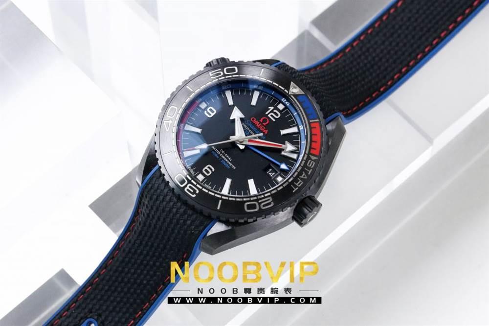 VS复刻欧米茄海马系列腕表采用新西兰国旗色调的蓝色和红色装饰 第2张