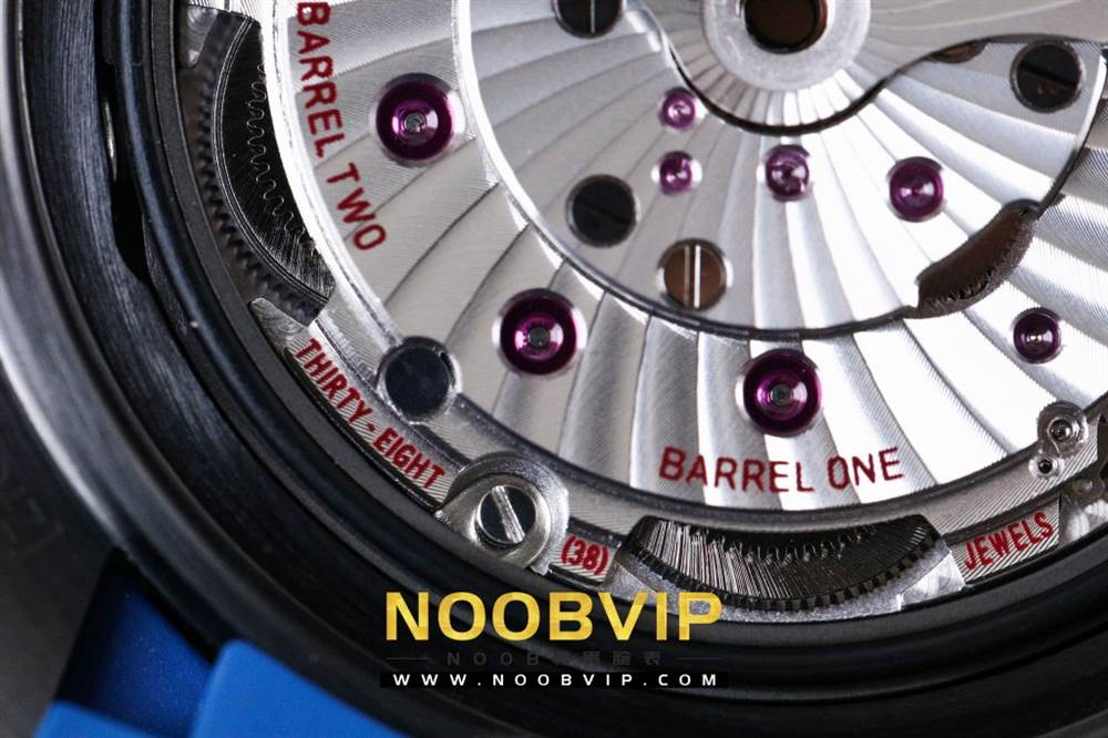 VS复刻欧米茄海马系列腕表采用新西兰国旗色调的蓝色和红色装饰 第58张