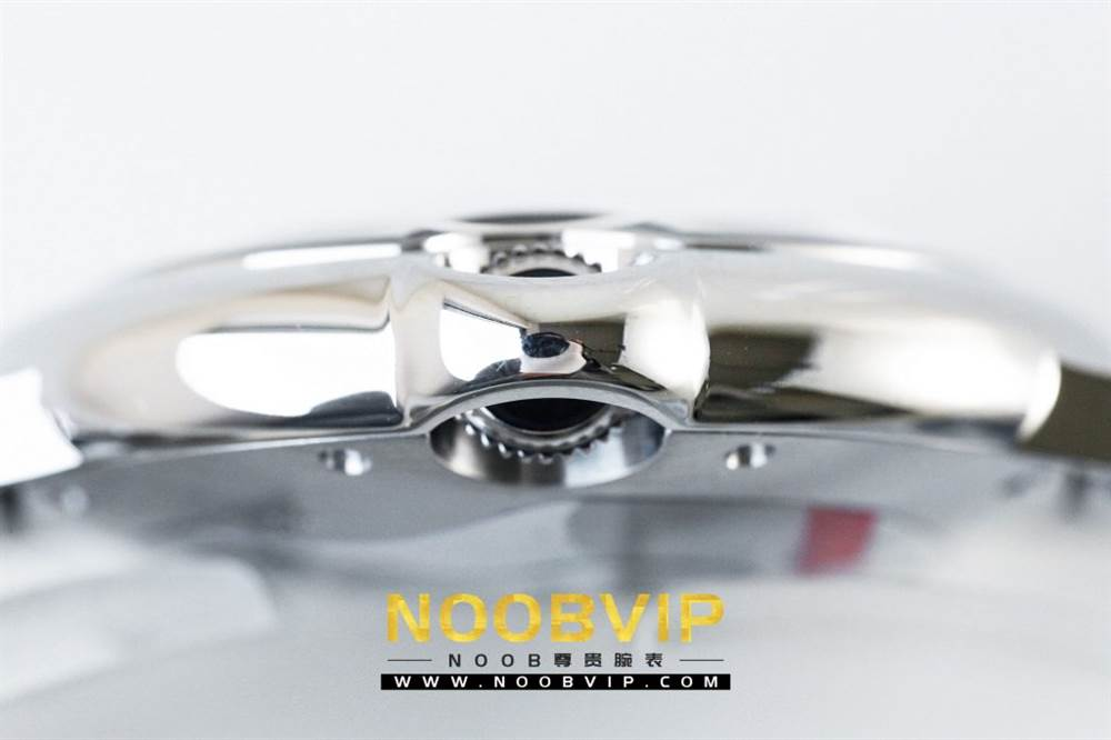 V6厂卡地亚蓝气球系列W69011Z4腕表36MM评测-石英机芯最高复刻版本 第17张