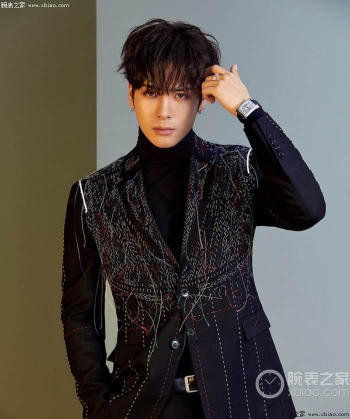 王嘉尔戴这腕表RAP的非常好的歌手 第6张