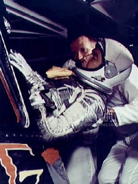 欧米茄超霸腕表不可复制的经历于历史「登月」 第2张