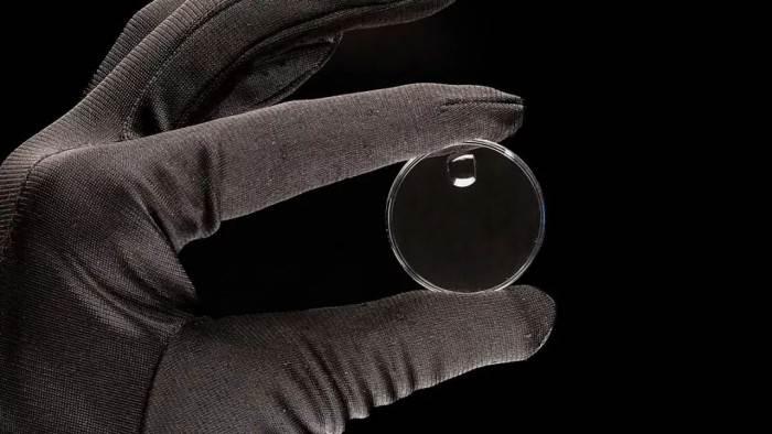 亚克力腕表镜片VS蓝宝石腕表镜片