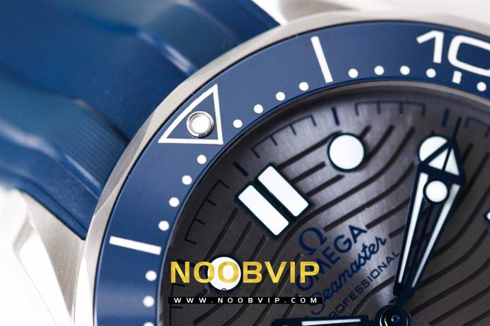 VS厂欧米茄海马300银灰色面潜水腕表首发详解 第6张