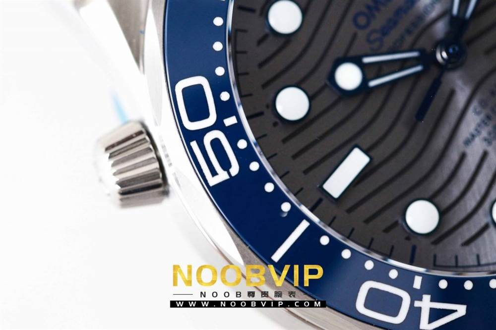 VS厂欧米茄海马300银灰色面潜水腕表首发详解 第7张