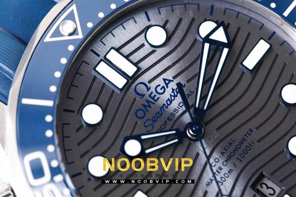 VS厂欧米茄海马300银灰色面潜水腕表首发详解 第11张