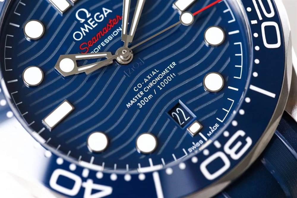 VS厂欧米茄海马300米潜水表首发详解 第7张