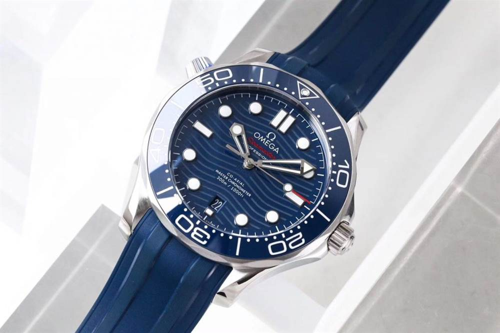 VS厂欧米茄海马300米潜水表首发详解 第6张