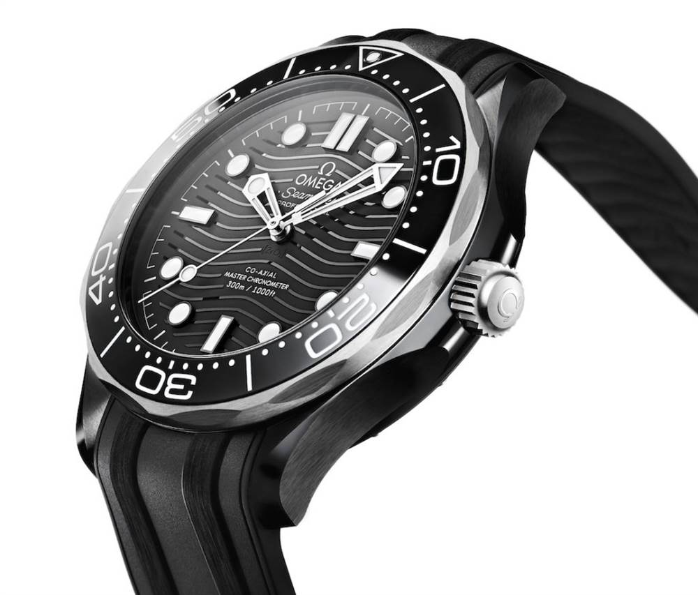 欧米茄海马潜水员300M手表黑色陶瓷和钛