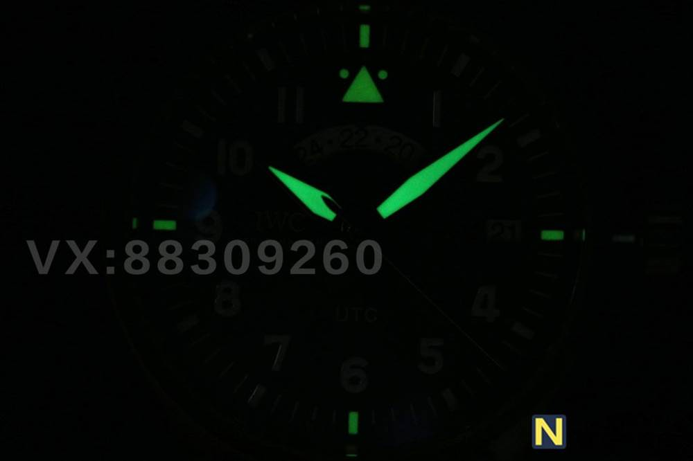 XF厂万国青铜喷火战机UTC飞行员-青铜材质腕表的魅力 第24张