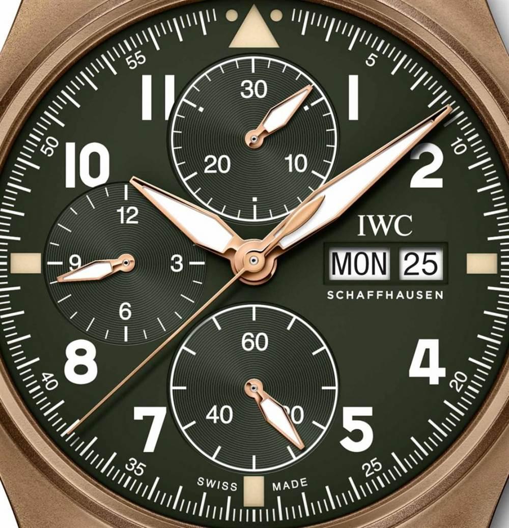 万国腕表计时码表Spitfire Bronze 第3张