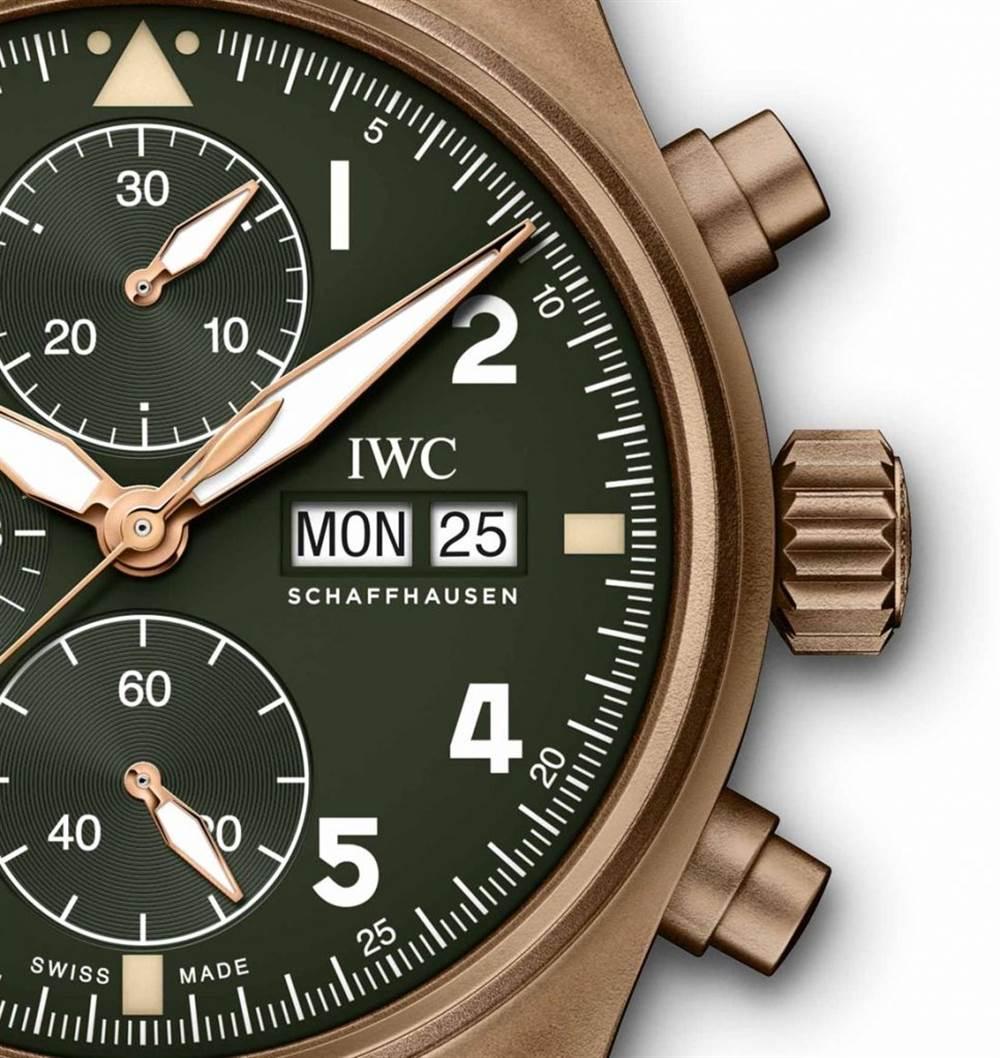 万国腕表计时码表Spitfire Bronze 第4张
