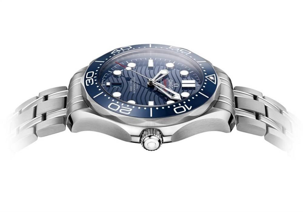 欧米茄海马专业潜水员300M 42毫米手表 第5张