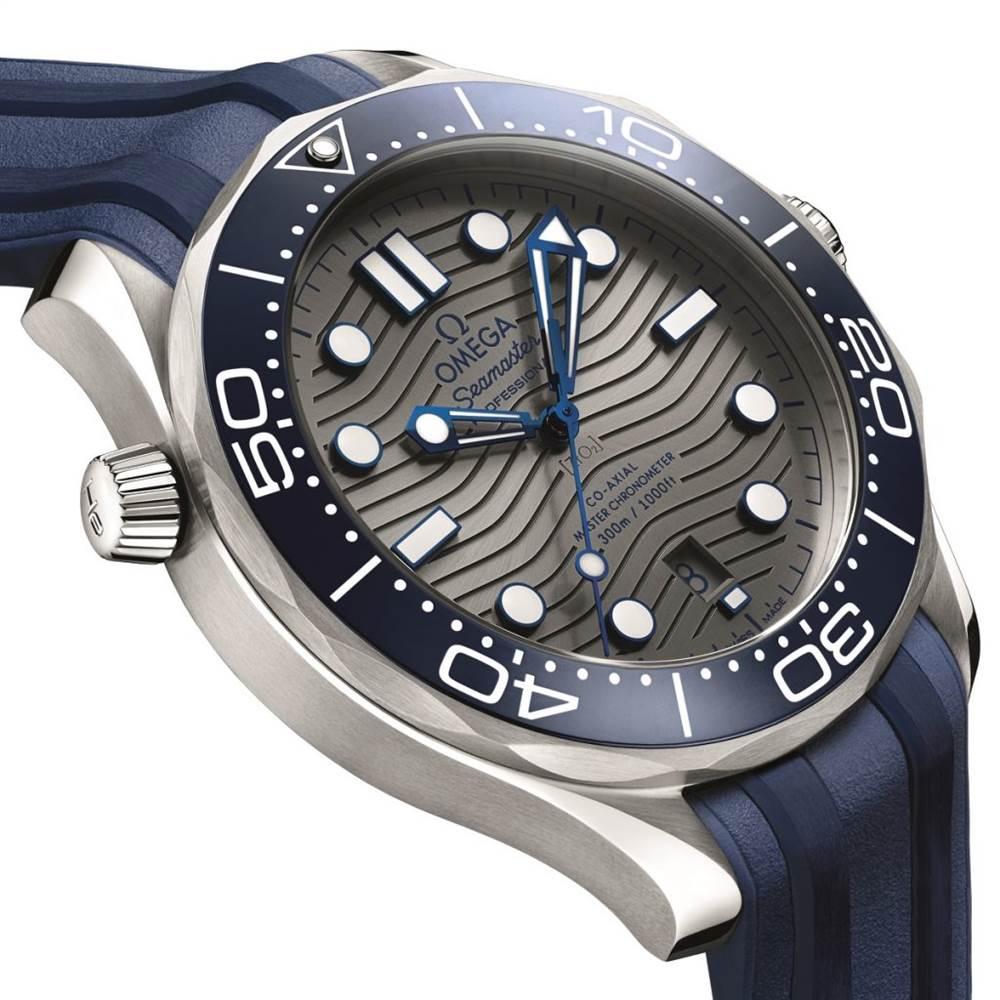 欧米茄海马专业潜水员300M 42毫米手表 第2张
