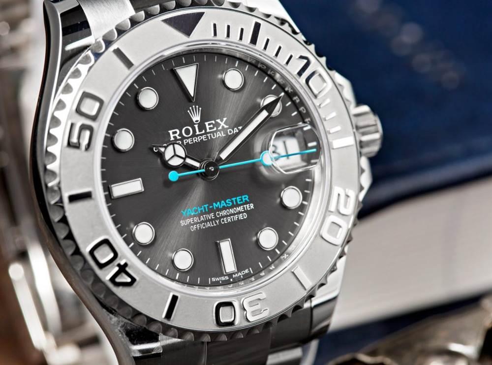三种奢侈腕表公司制作的贵金属 第1张