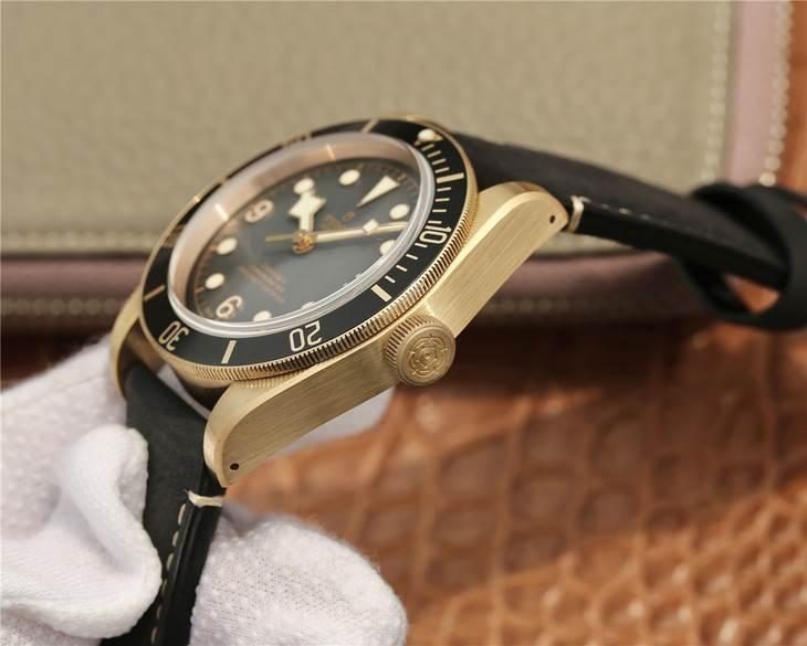 XF厂帝舵「贝克汉姆同款」碧湾青铜型小铜盾复刻表评测