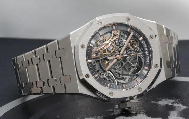 看看那些被炒上天价的手表